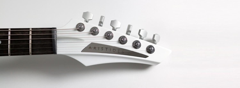 aristides instruments 010 electrische gitaar detail kop
