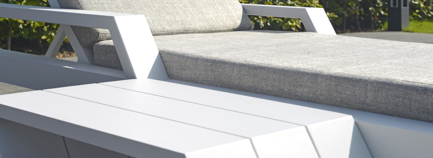 Viking Lounger detail white
